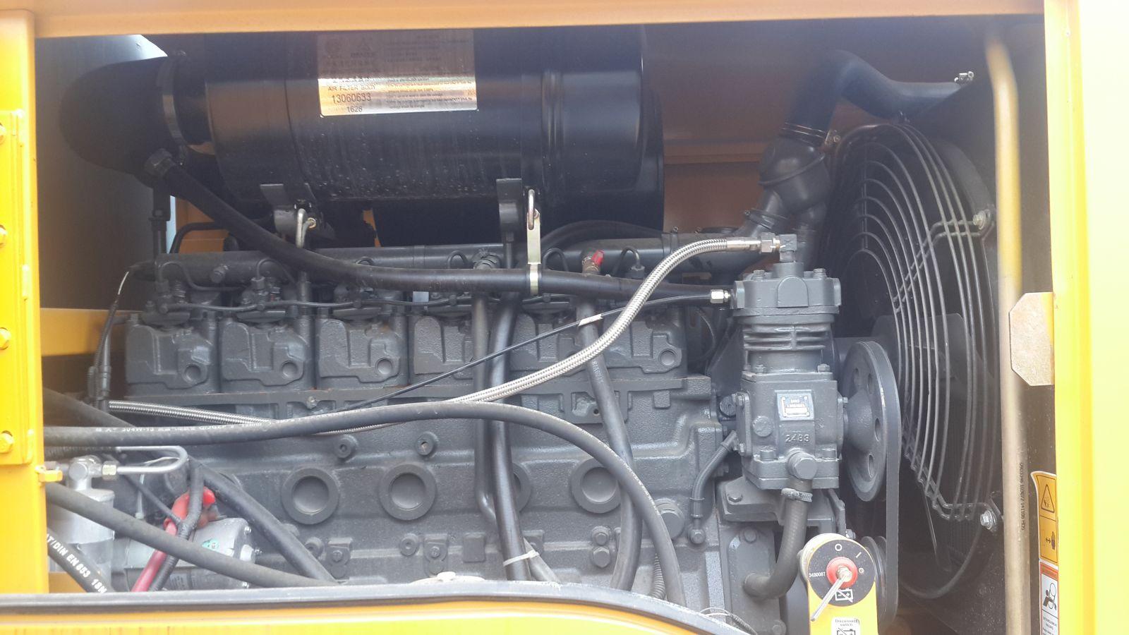 Động cơ máy xúc lật liugong 836